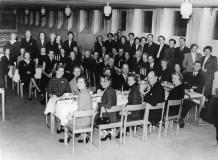 Lärarsamling i matsalen ca 1958
