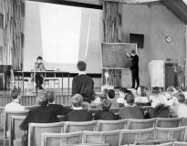 Elever i aulan ca 1965